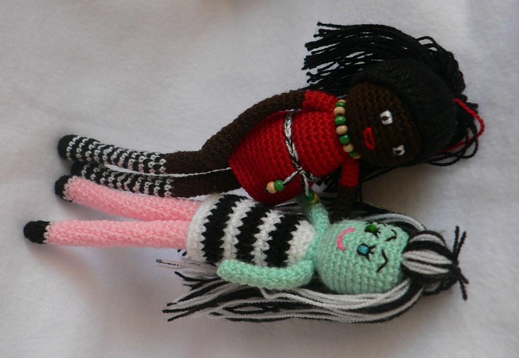 Patron Amigurumi Monster High : amigurumi frankie stein monster high and african girl doll ...