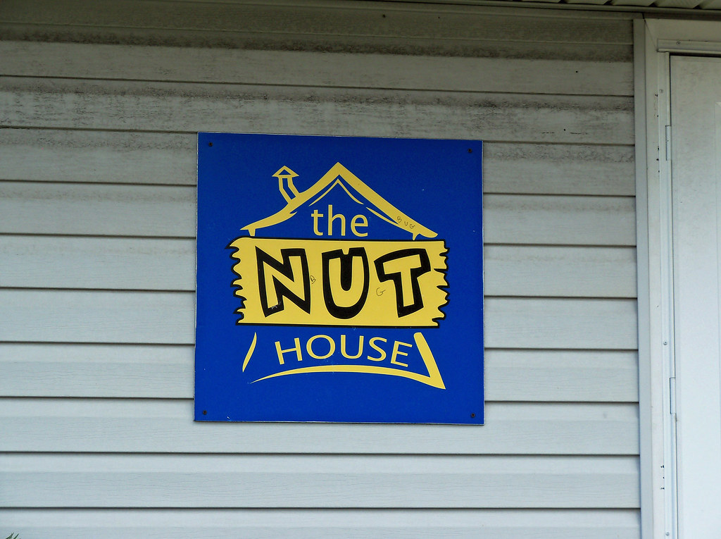 Oh oxford the nut house sign for the nut house in for Pecan house