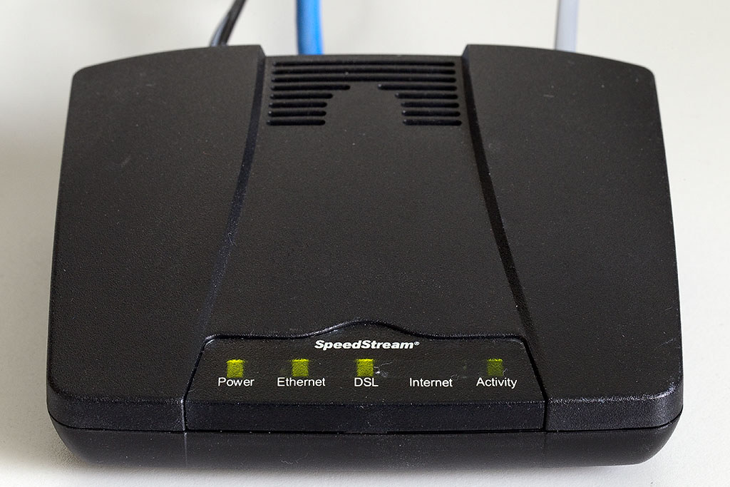 siemens speedstream 4100 ethernet adsl modem i picked up a flickr. Black Bedroom Furniture Sets. Home Design Ideas