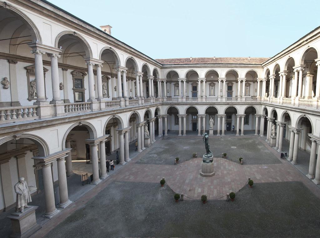 Cortile di brera cortile della pinacoteca di brera for Accademia di brera