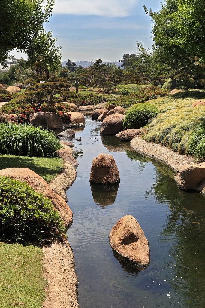 Water Water Runs Through The Japanese Garden In Van Nuys Flickr