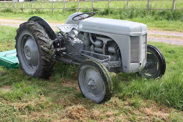 T20 Ferguson Tractor : Photo