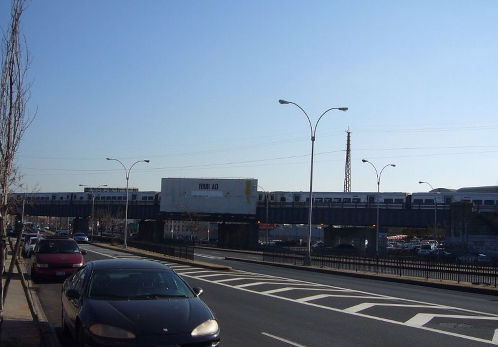 Lirr Port Washington Train Crossing Queens Boulevard Flickr