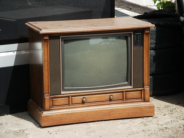 Old Console Tv ~ Old magnavox console tv left to die flickr photo sharing