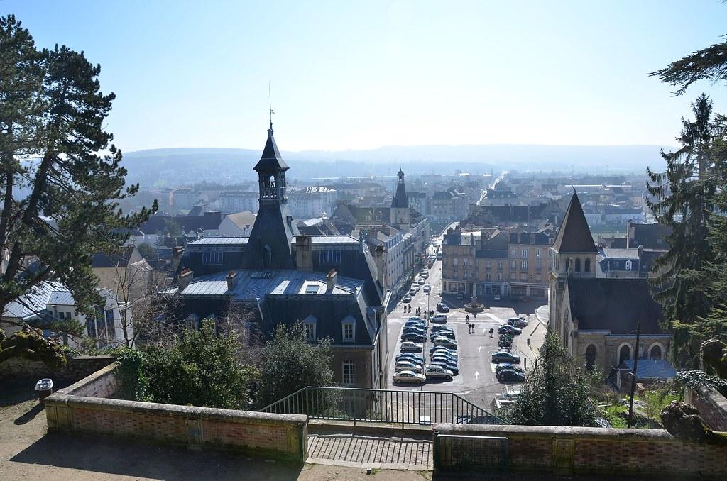 Ch teau thierry aisne place de l 39 h tel de ville depuis for Piscine chateau thierry
