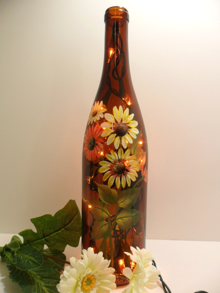 Lighted wine bottle amber daisy flowers hand painted recyc for Painting flowers on wine bottles