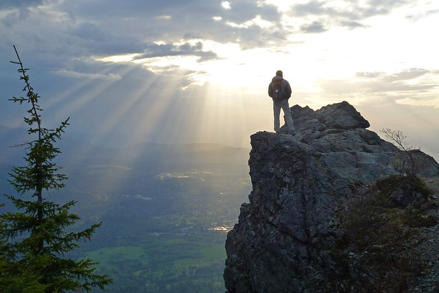 Mount Si with rays of sunlight | Flickr - Photo Sharing!