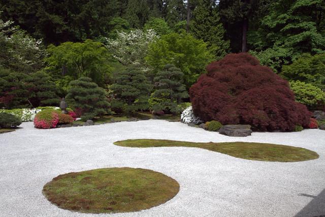 White sand japanese garden flickr photo sharing for Japanese sand garden