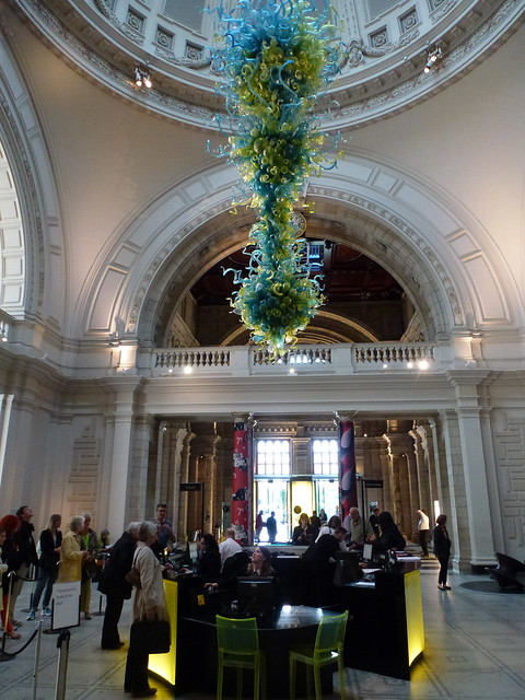 Foyer Museum Uk : V a museum london entrance hall
