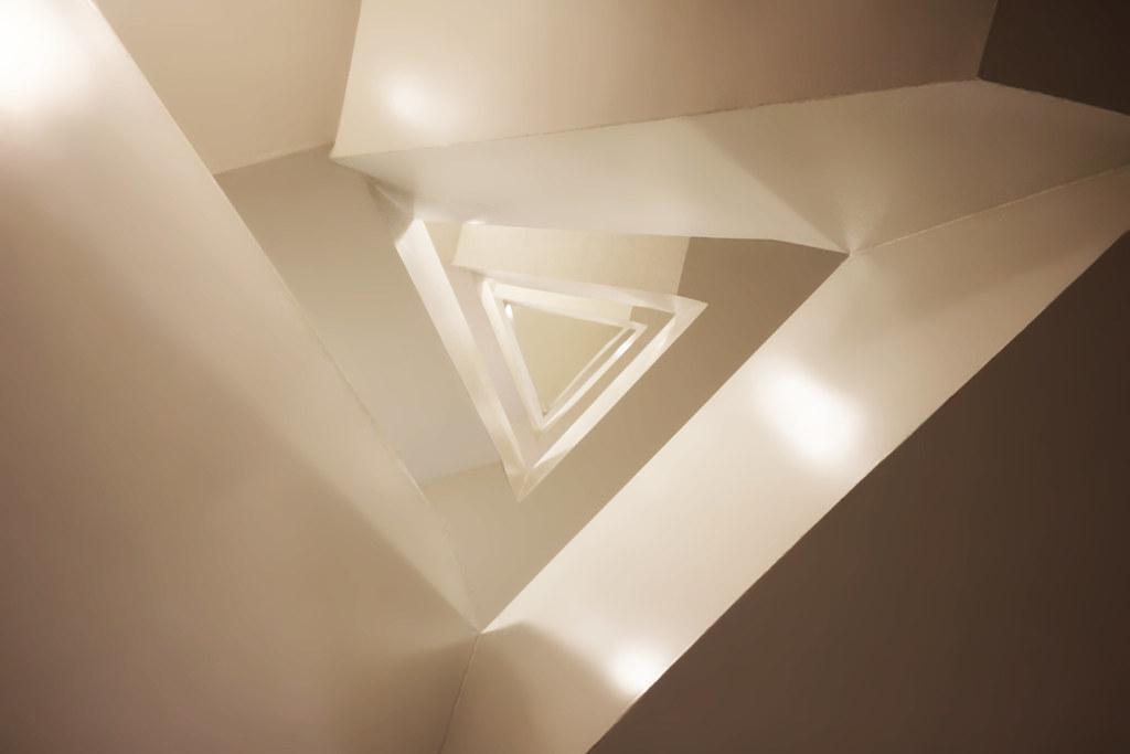 Guggenheim Triangular Staircase The Guggenheim Is A Well
