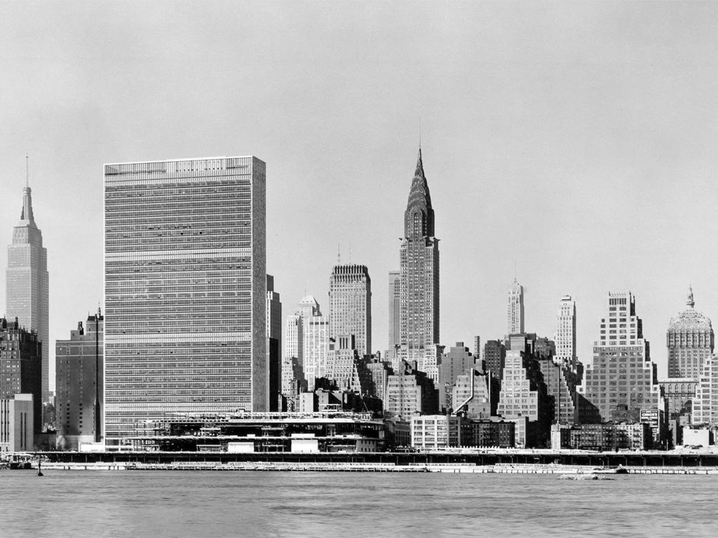 new york skyline un building chrysler building 01 nove. Black Bedroom Furniture Sets. Home Design Ideas