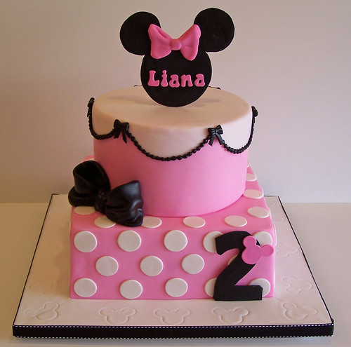 Minnie Mouse Cake | by cakespace - Beth (Chantilly Cake Designs)
