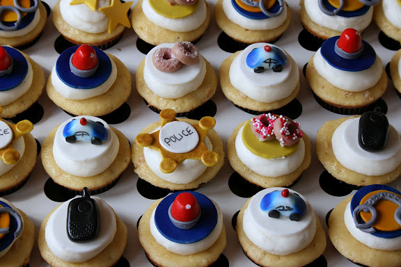 Sweet Tooth Cakes And Cupcakes