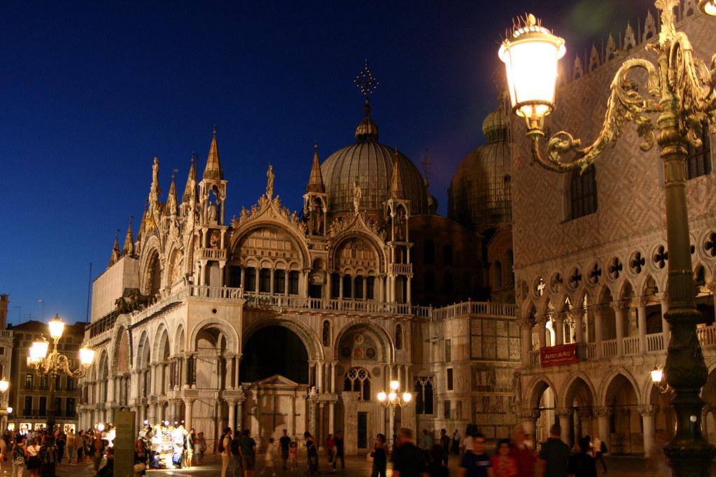 Basilique saint marc la nuit venise la chiesa d 39 oro flickr - Cristaux de soude saint marc ...