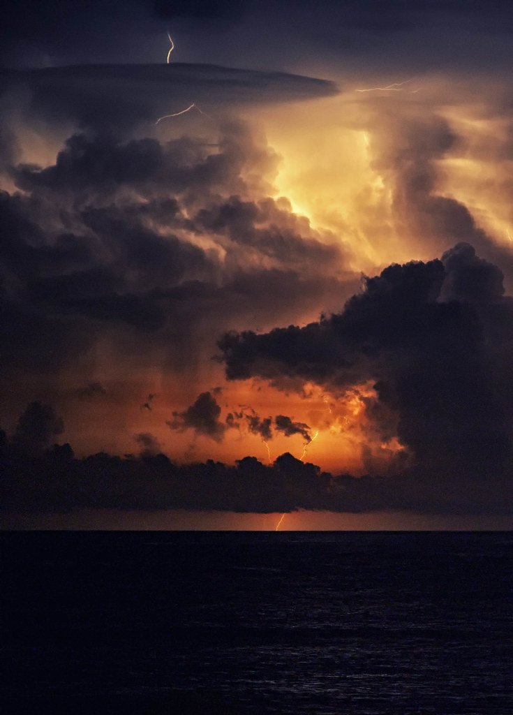 Hatteras Lightning Explored I Ve Always Wanted To Try