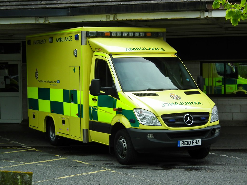 White Mercedes Benz >> SECamb 1125MRH | South East Coast Ambulance Service 1125 Mak… | Flickr