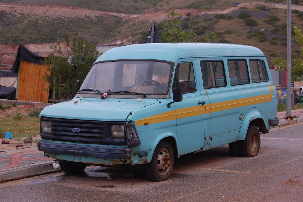 very rough looking ford transit mk2 minibus i have no. Black Bedroom Furniture Sets. Home Design Ideas