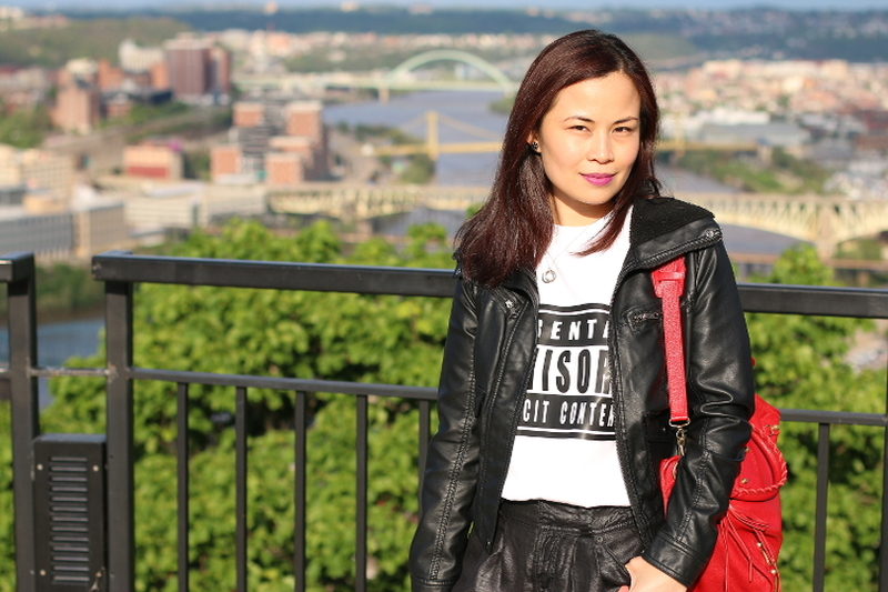 Mount Washington, Pittsburgh, overlook, grand view, travel, visit, travel outfit, hi custom tee, jessica simpson jacket, guess pants, balenciaga bag