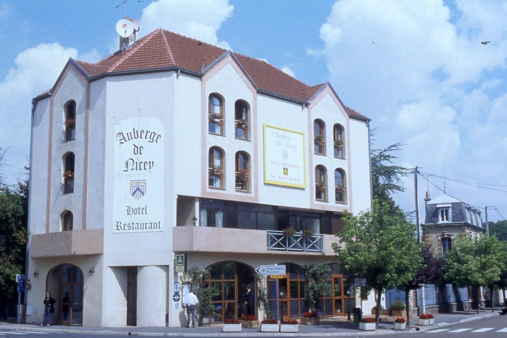 Restaurant L Auberge Du Roi Ren Ef Bf Bd St Denis D Anjou
