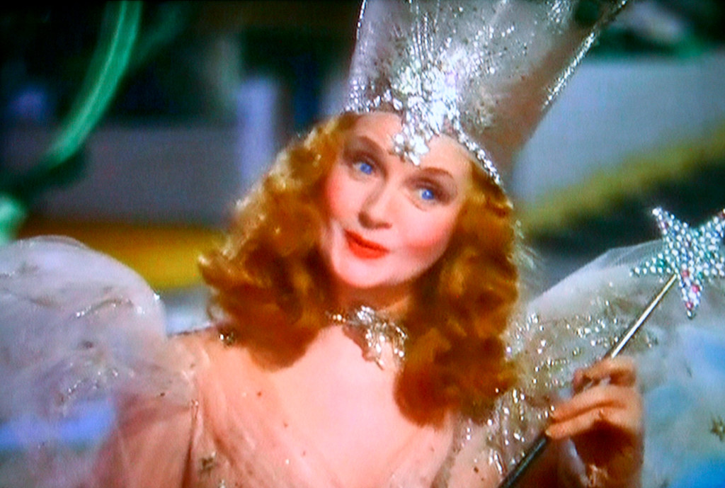 Glinda, Good Witch of the North | as portrayed by actress ...