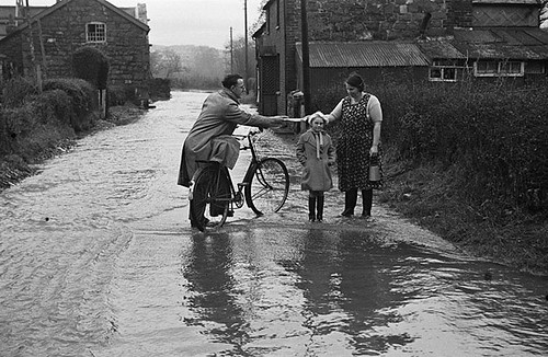 Conditions in Newtown, Caersws and Ellesmere during the severe winter of 1939-40 | by LlGC ~ NLW