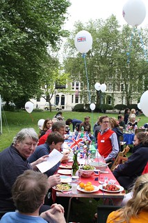 Jubilee Lunch in Albert Square South Lambeth SW8 | by toast77