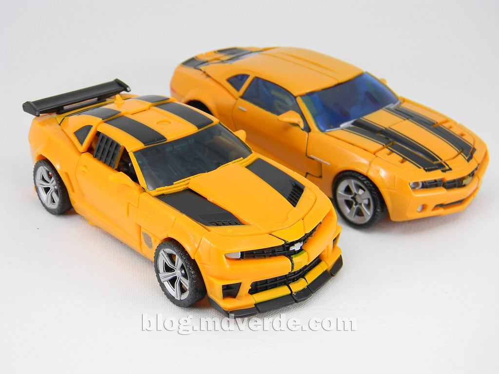 Transformers Bumblebee Deluxe Dotm Modo Alterno Vs Pre