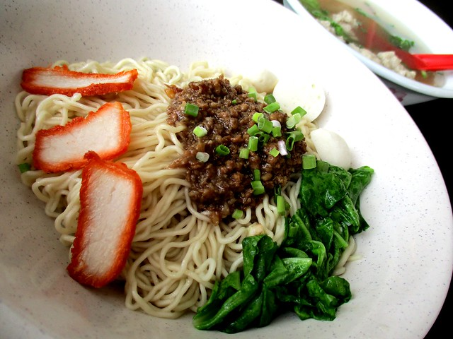 Delightful Cafe kolo mee and meatball soup