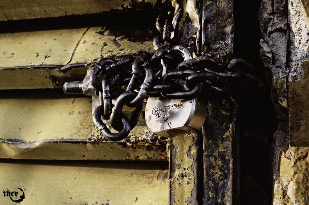 Hdr lock chain anywhere there 39 s a lock to be open darkfalco lombardi flickr - How to open chain lock ...