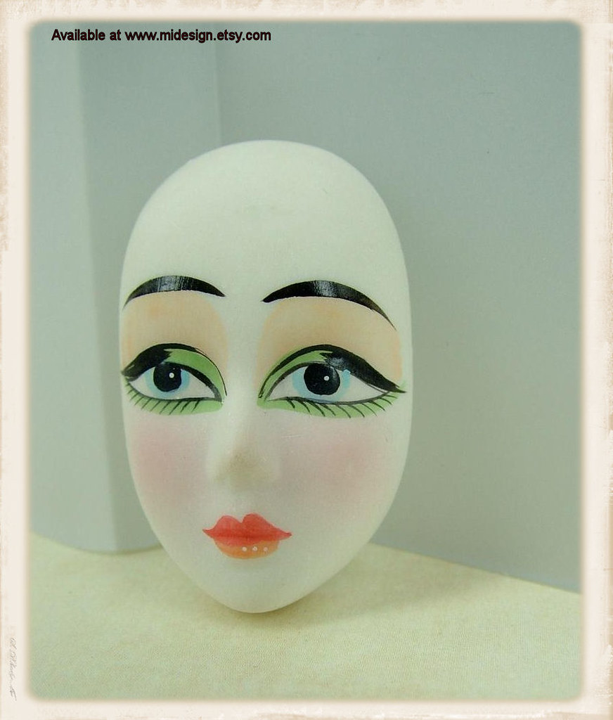 Gi Jane A Vintage Porcelain Doll Face Cabochon This Is