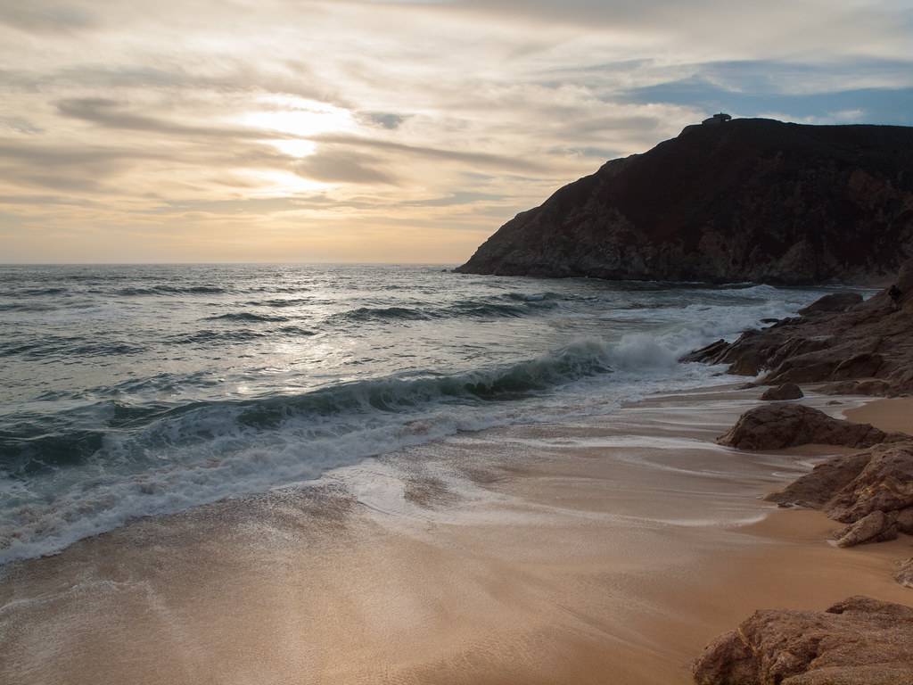 On the beach with voyeurssur la plage avec des voyeurs - 1 part 6