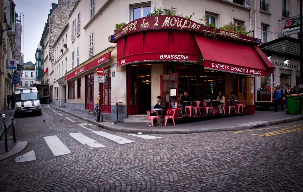 caf des 2 moulins montmartre paris this is the cafe wh flickr. Black Bedroom Furniture Sets. Home Design Ideas