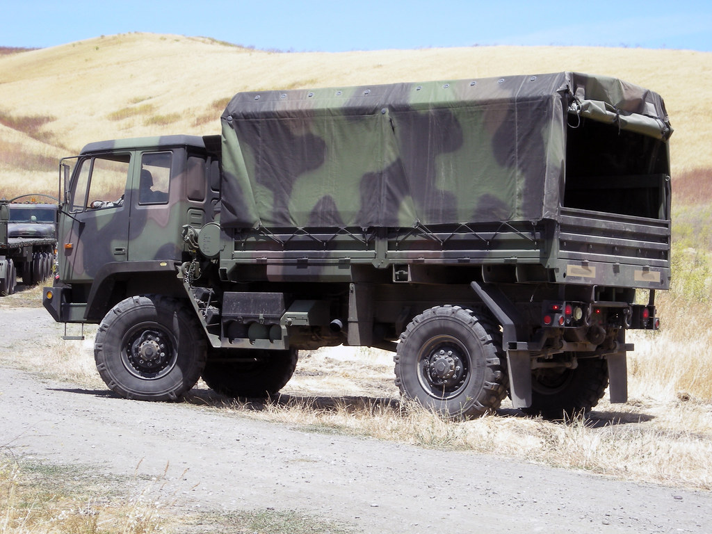 Army Vehicles For Sale >> M1078 LMTV 2-1/2 ton standard cargo truck | M1078 LMTV, a me… | Flickr
