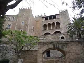 Palacio de la Almudaina, visto desde el Huerto del Rey.