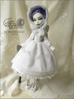.elegance. | by .daria. [the haunted dollhouse]
