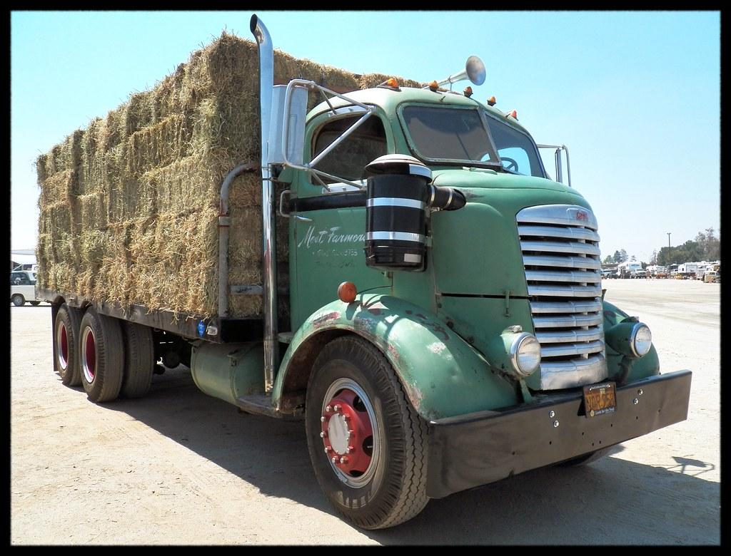 Gmc Coe Hay Hauler A Neat Old Gmc Coe Truck Probably