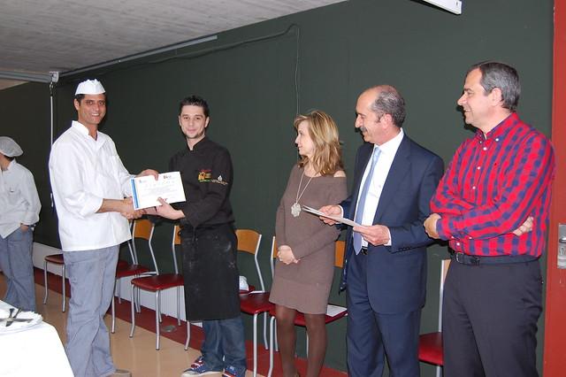 Entrega de diplomas en el curso de ayudante de cocina for Cursos de ayudante de cocina