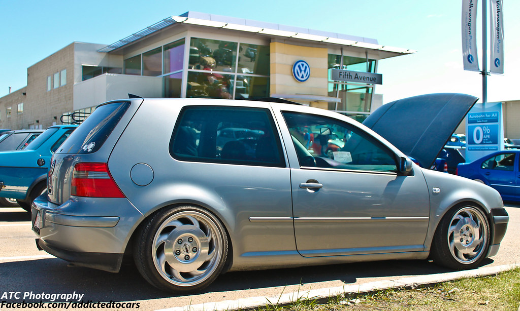 volkswagen golf mk  clean  generation vw golf sitting flickr