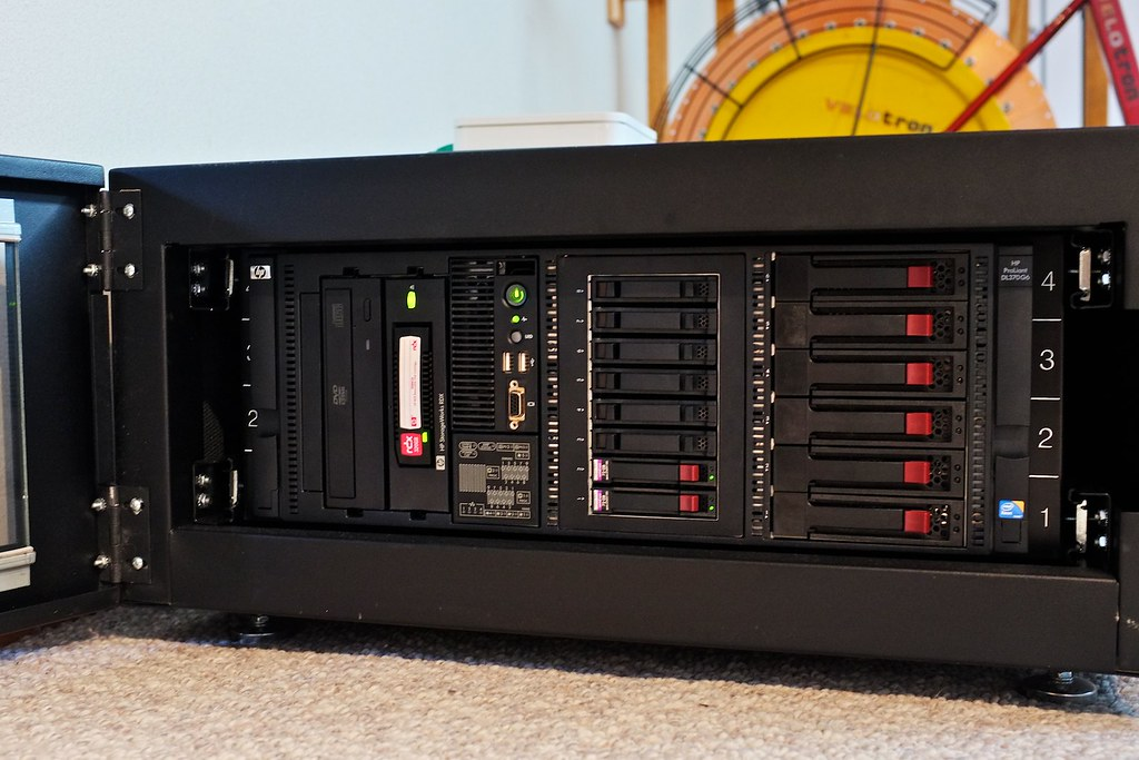 Hp Proliant Dl370 G6 In Xrackpro 2 Enclosure Hp