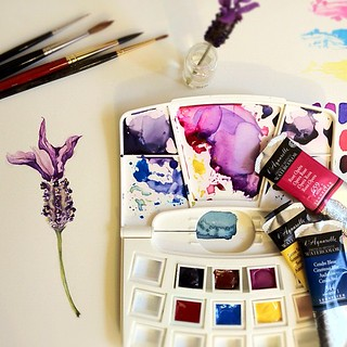 Painting a tiny lavender flower with the Sennelier samples. | by Gentian O.