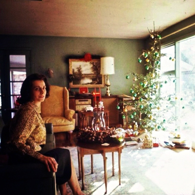 Vintage photo 1960s christmas tree living room interior for Interior design 1960s living room