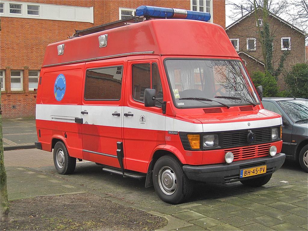 1983 mercedes benz 309d the new tn t1 series van were for Mercedes benz 309d