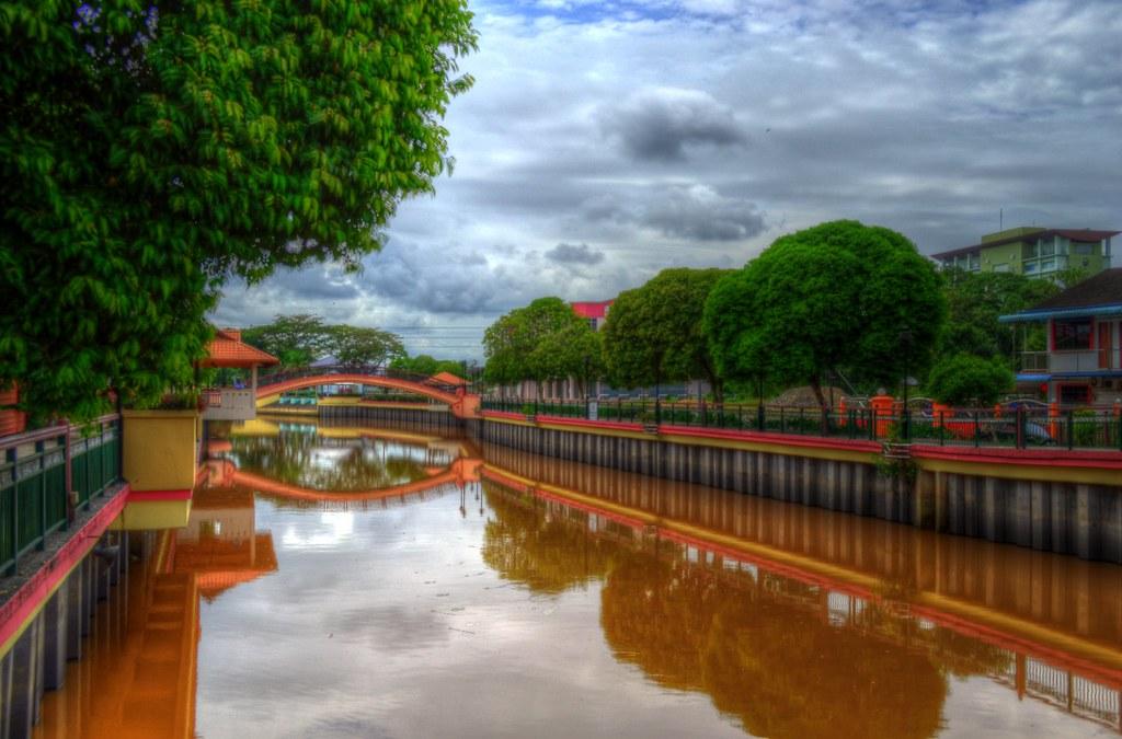 Sungai Merah Sibu 《sungai Merah Sibu》