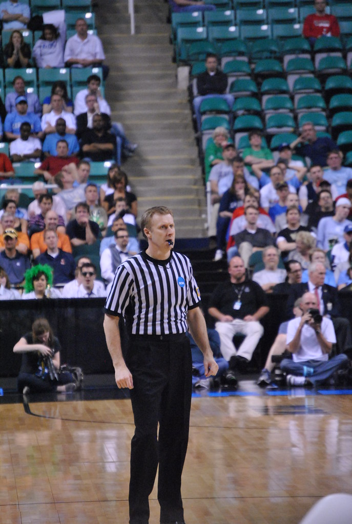 how to become a ncaa referee