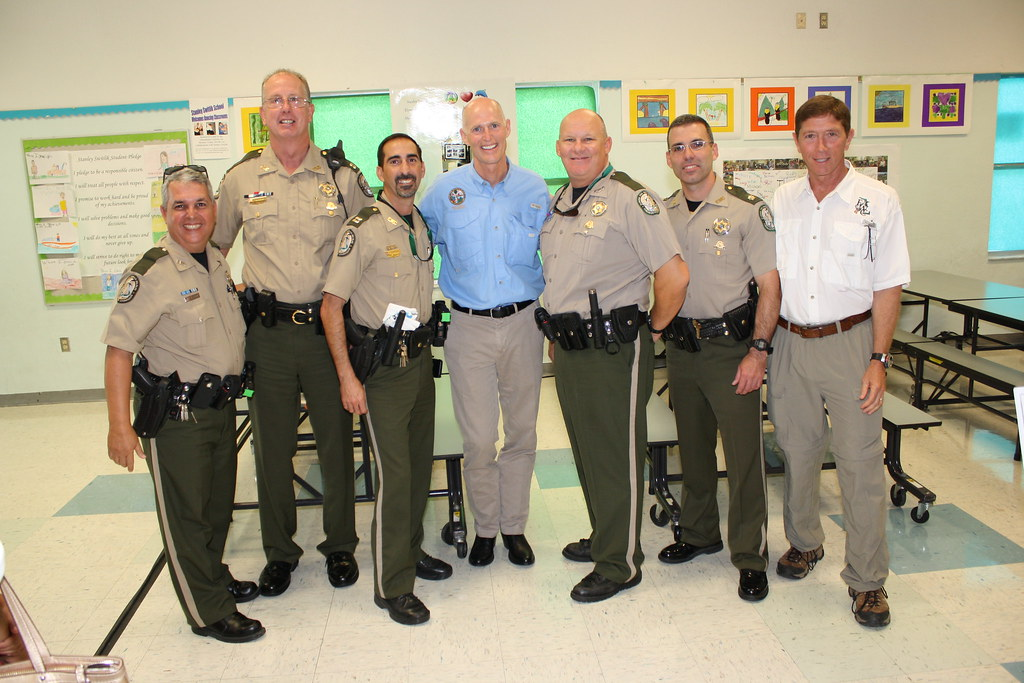Fwc officers with gov rick scott fwc officers with gov for Florida fish and wildlife officer