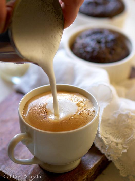 Breakfast. Coffee& сhokolate fondant. Making coffee latte ...