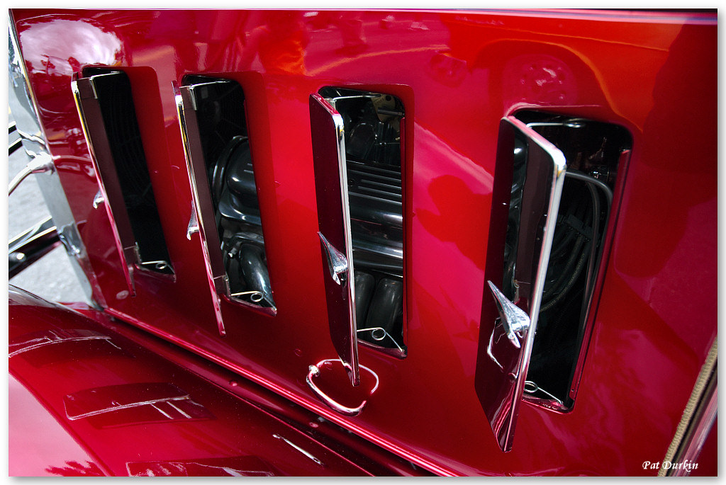 1932 chevrolet 4 door sedan candyapple red engine peek for 1932 chevrolet 4 door sedan