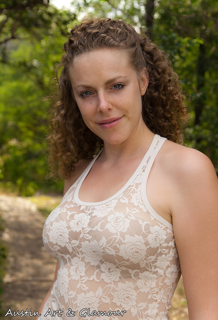 Rachel in a hot threesome 3