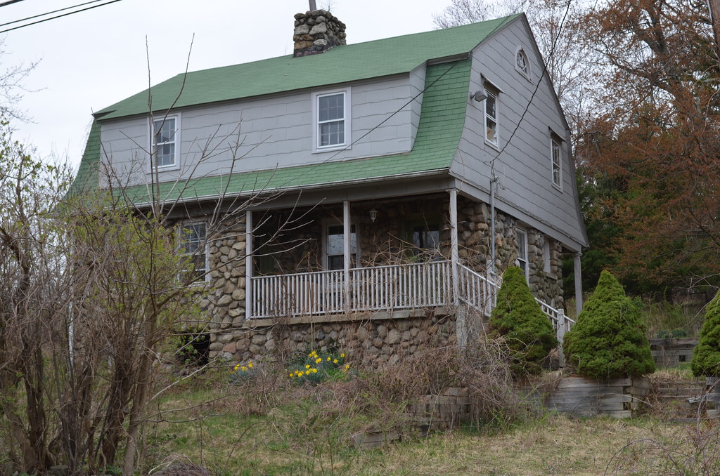 Stone House With Green Roof In Wallkill Ny Richard