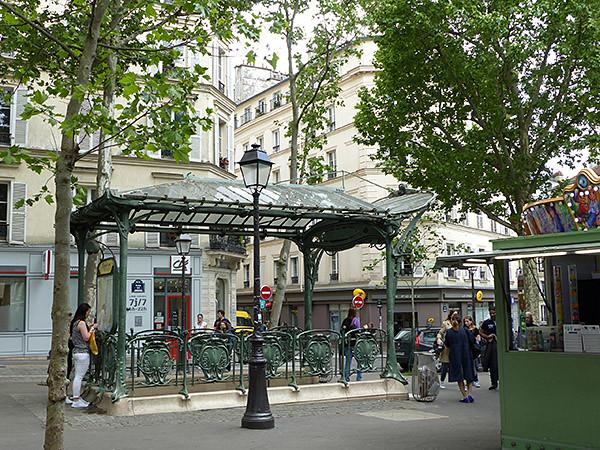 métro abbesses 2